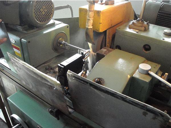 外圆磨主动测量仪